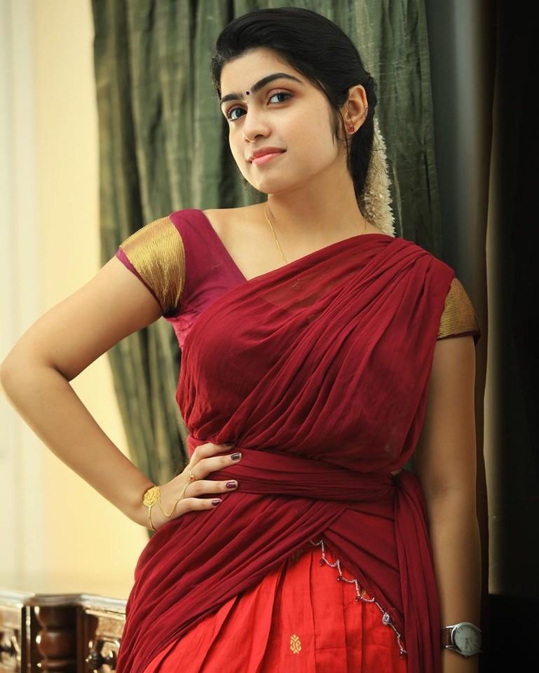 Actress Manasa Radhakrishnan Saree Photos (7)