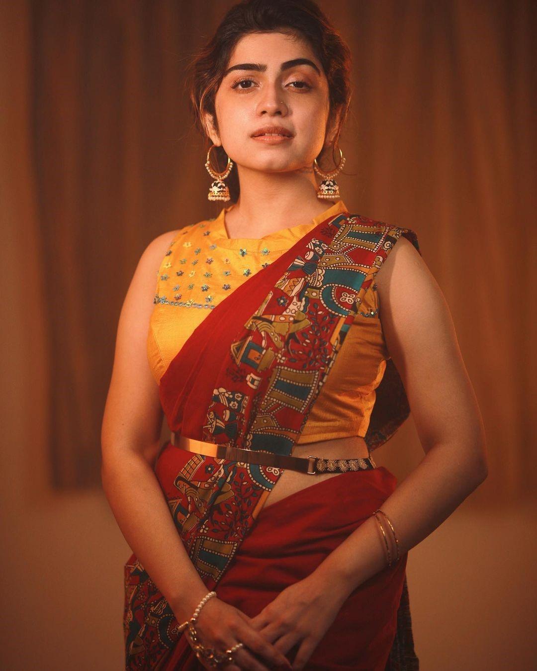 Actress Manasa Radhakrishnan Saree Photos (9)