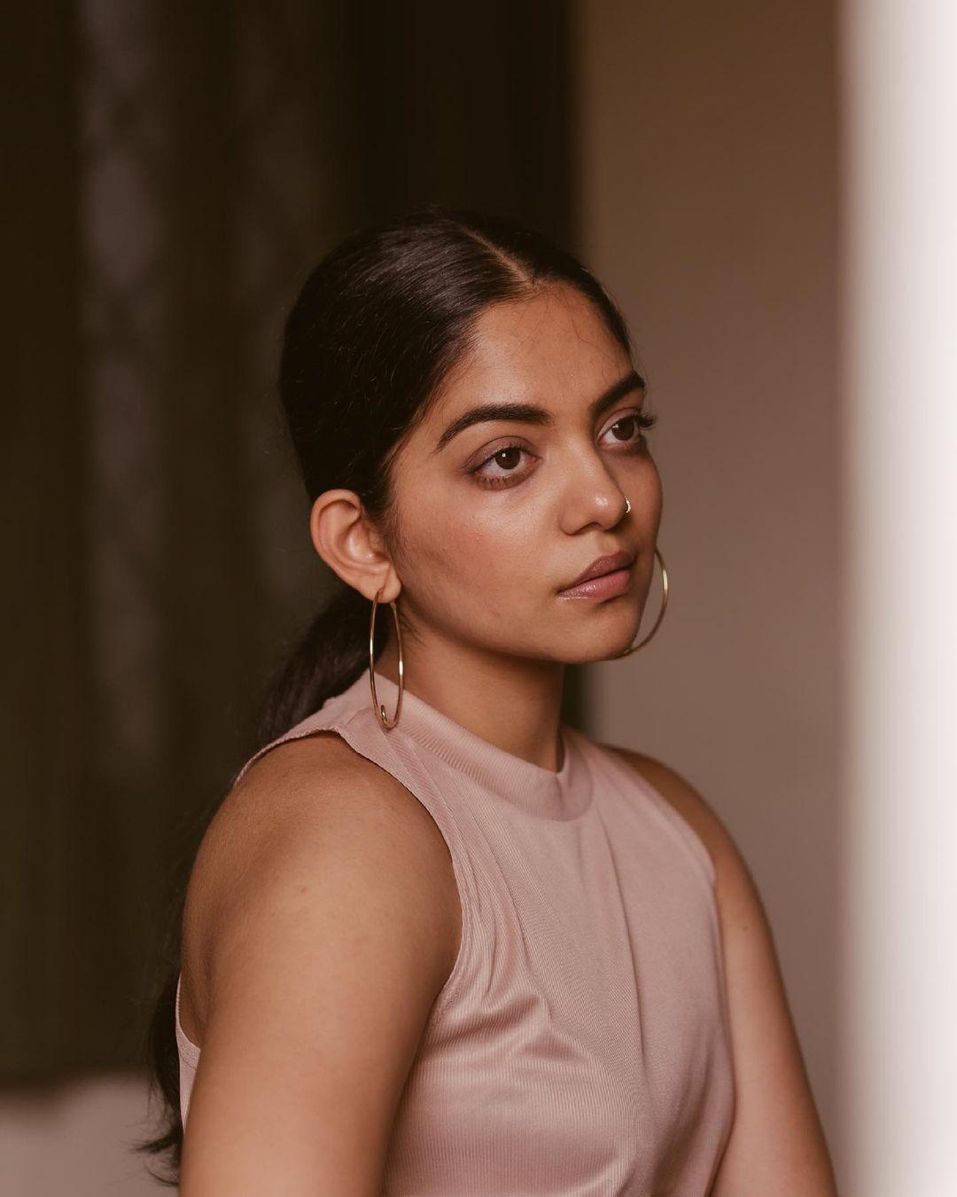 Malayalam Actres Ahaana Krishna Latest Photos (10)