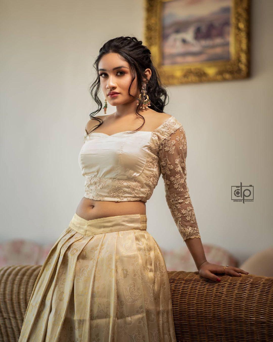 Raveena Daha Photos HD (3)