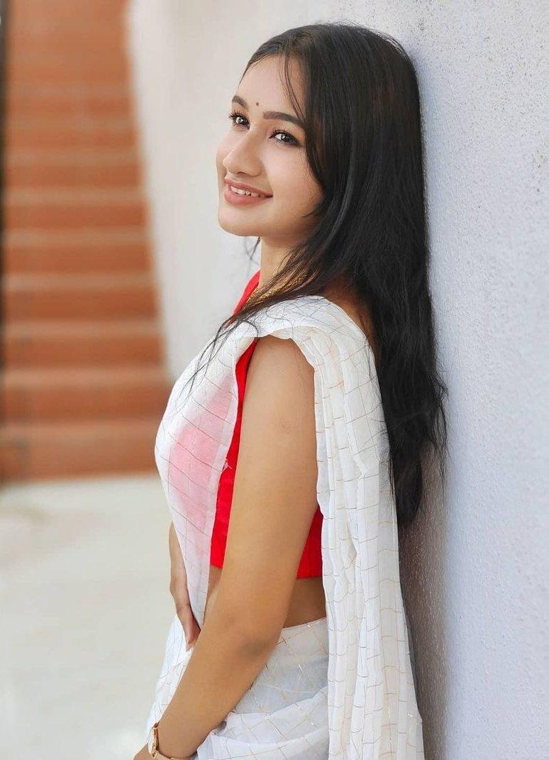 Raveena Daha Photos HD (8)