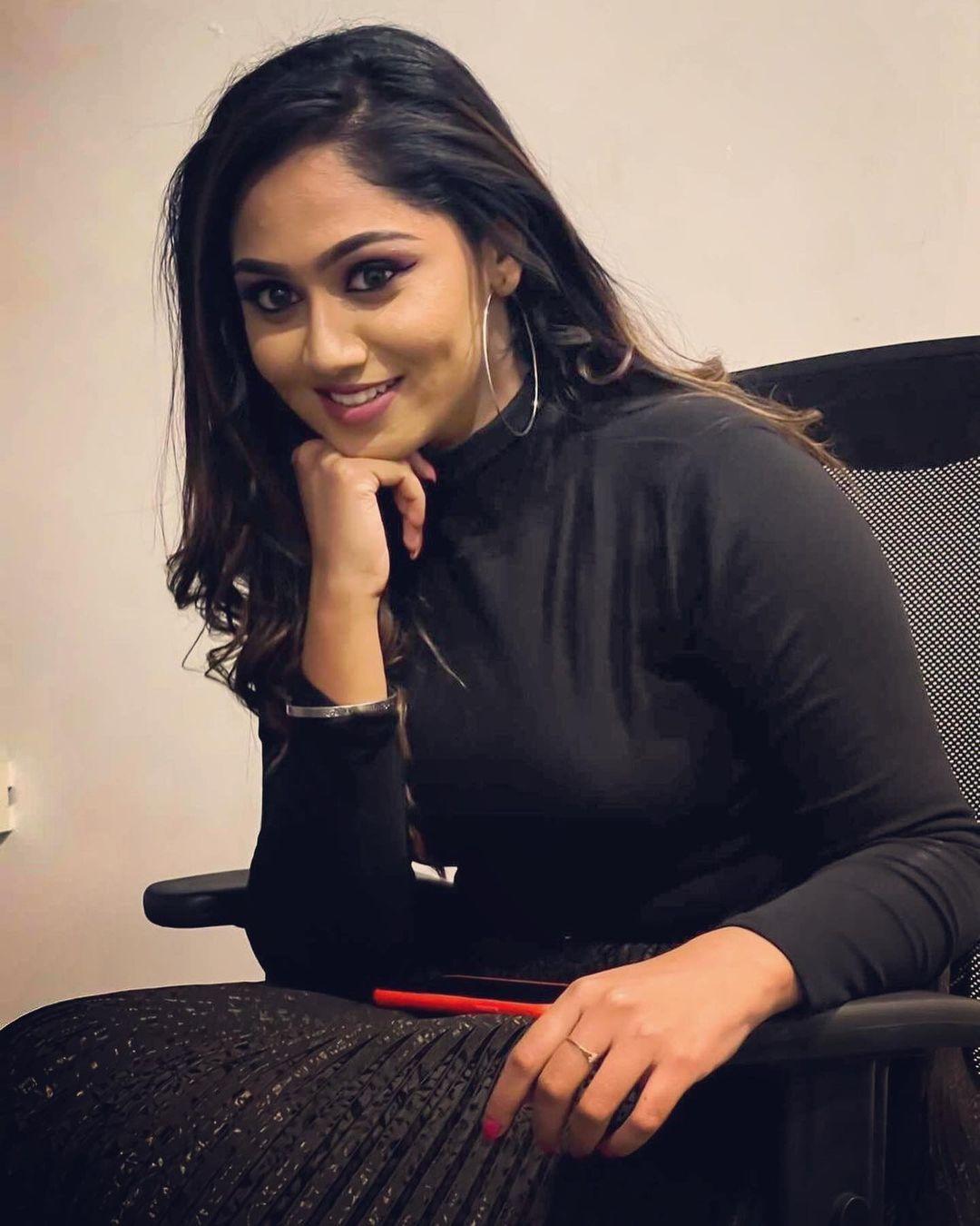 Sreethu Krishnan Photos hd (10)
