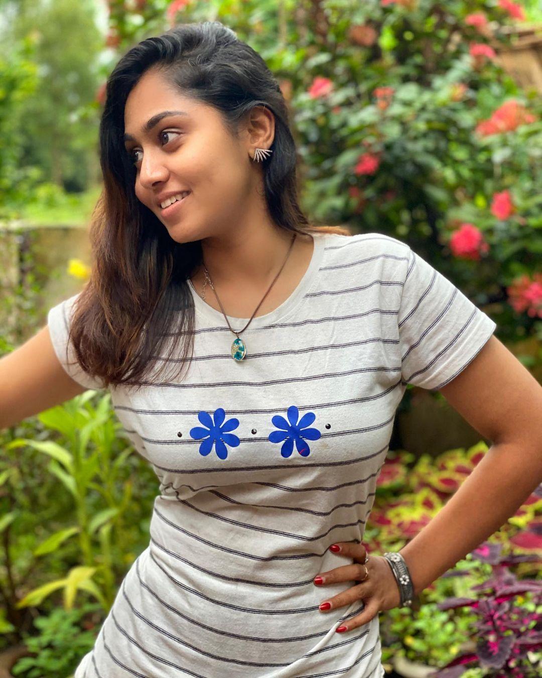 Sreethu Krishnan Photos hd (52)