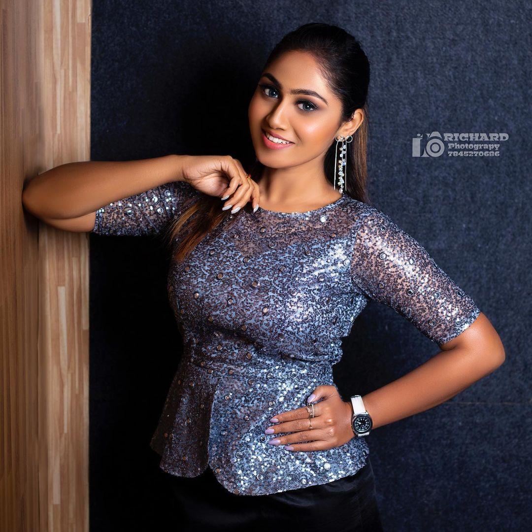 Sreethu Krishnan Photos hd (9)