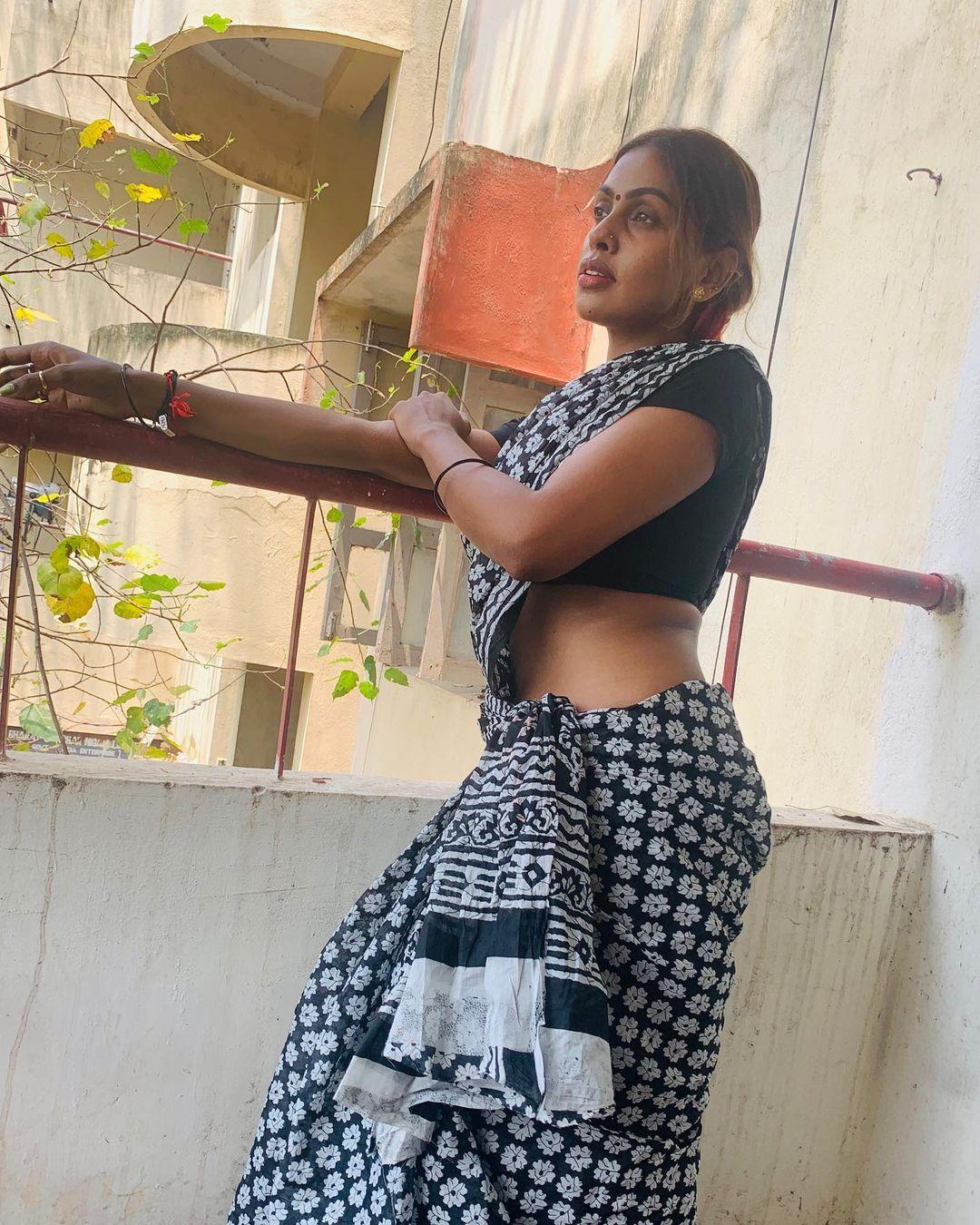 Srinikha Photos HD (25)