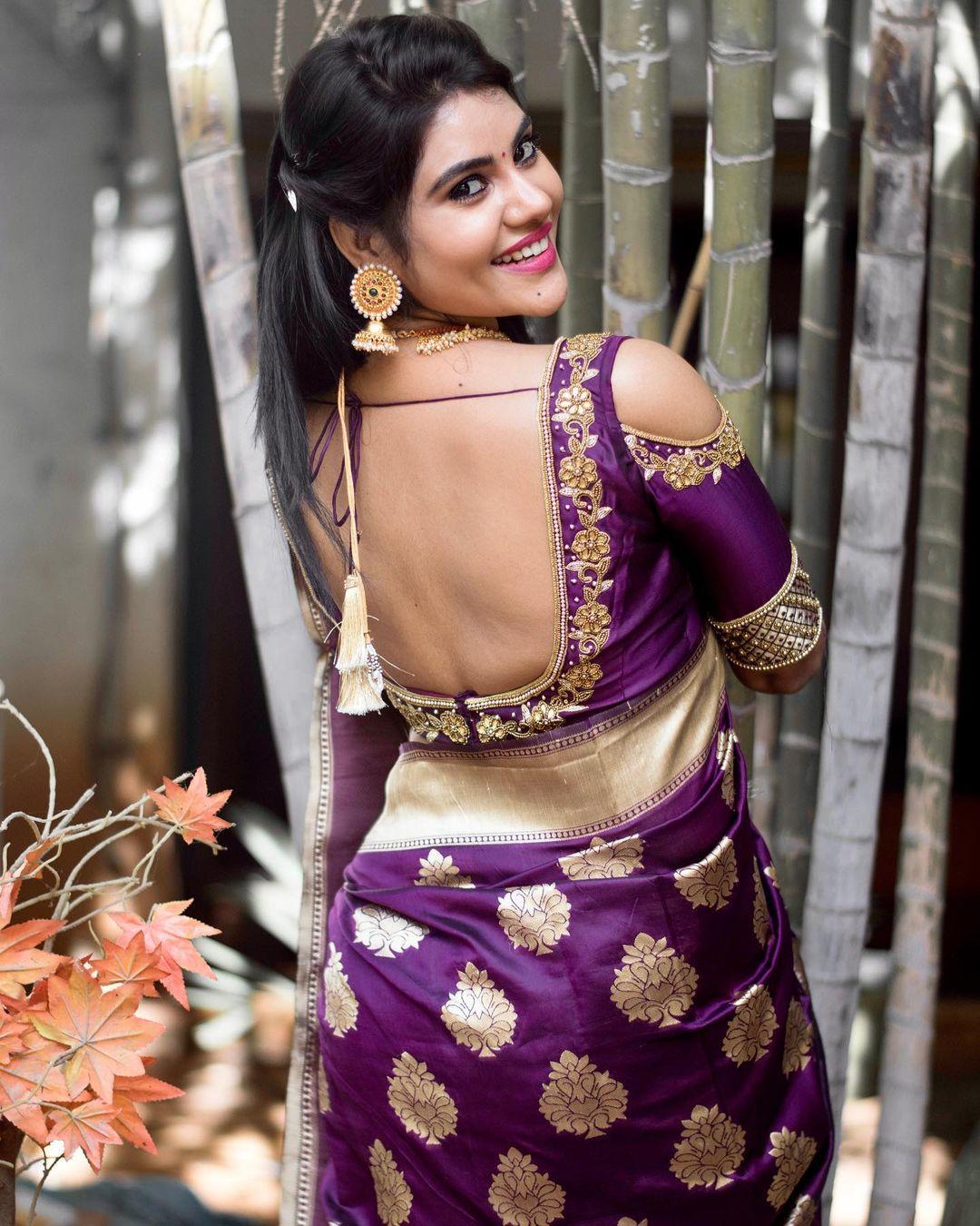 Tamil Serial Actress Nivisha Stills (2)