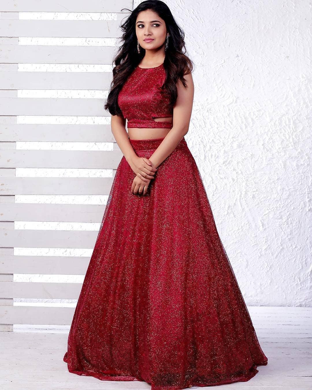Vani Bhojan Actress Photos Stills Gallery (11)