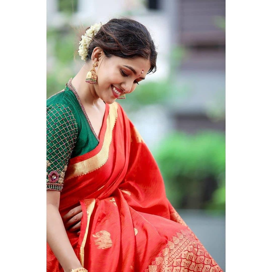 Vani Bhojan Actress Photos Stills Gallery (3)