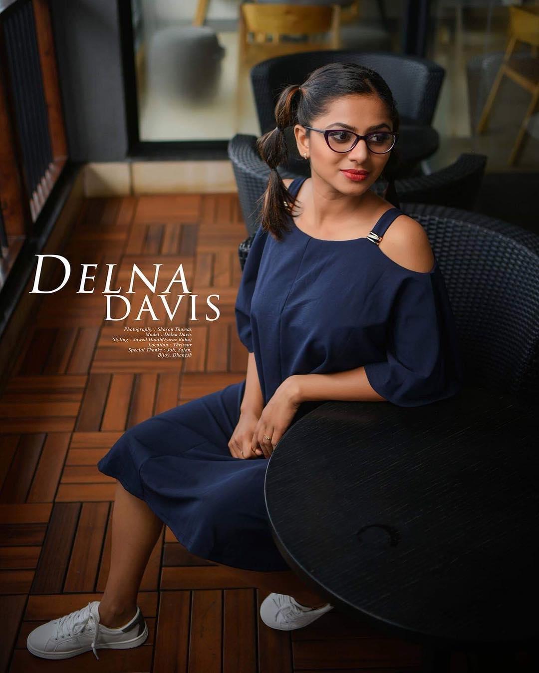 Delna Davis Photos HD (72)