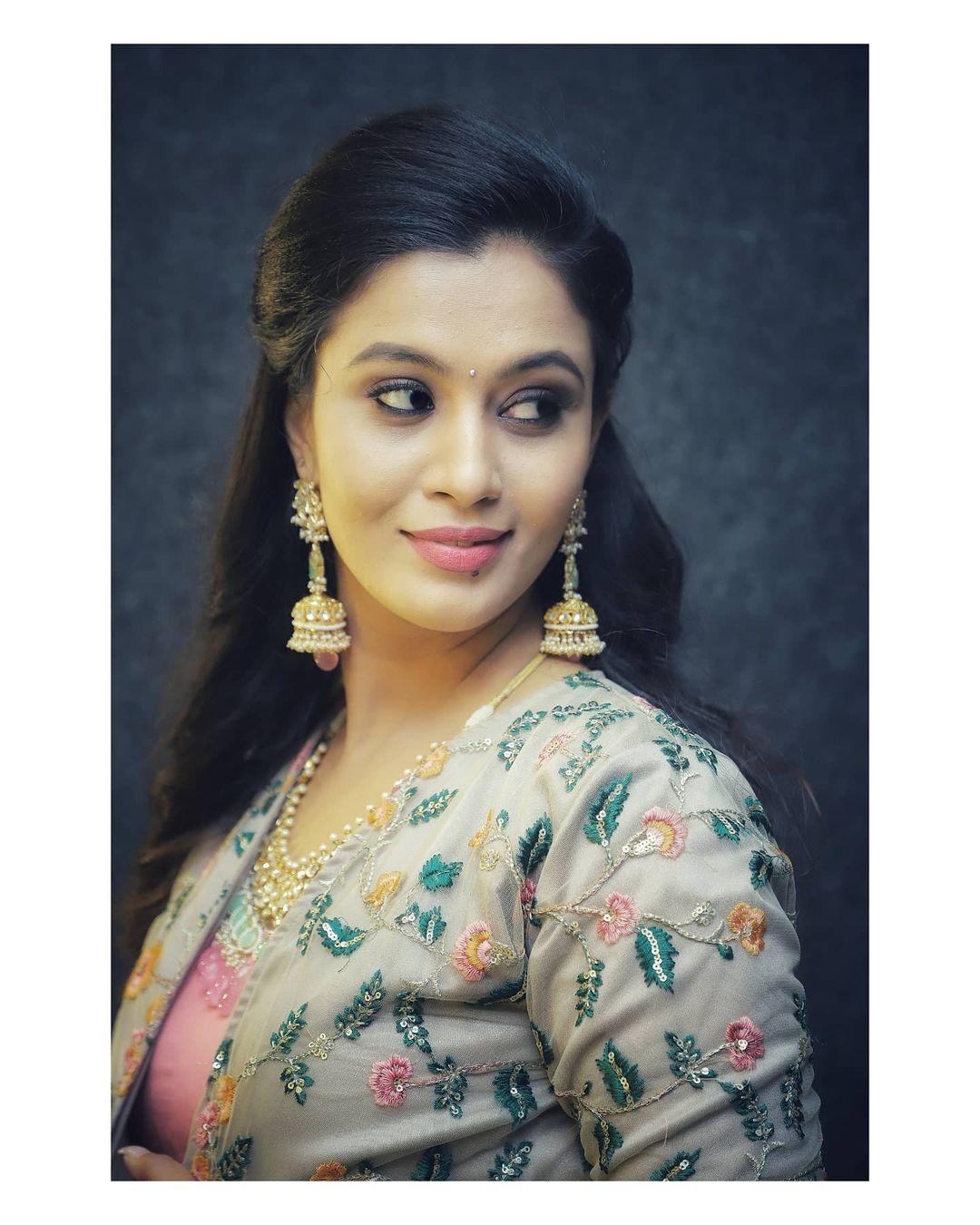 Neha Gowda Photos HD (3)