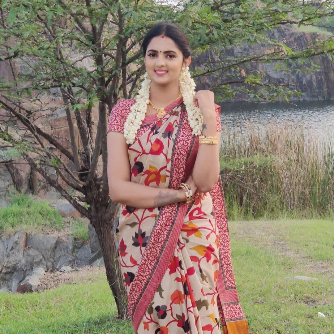 Radhika_Preethi_14655215929_16