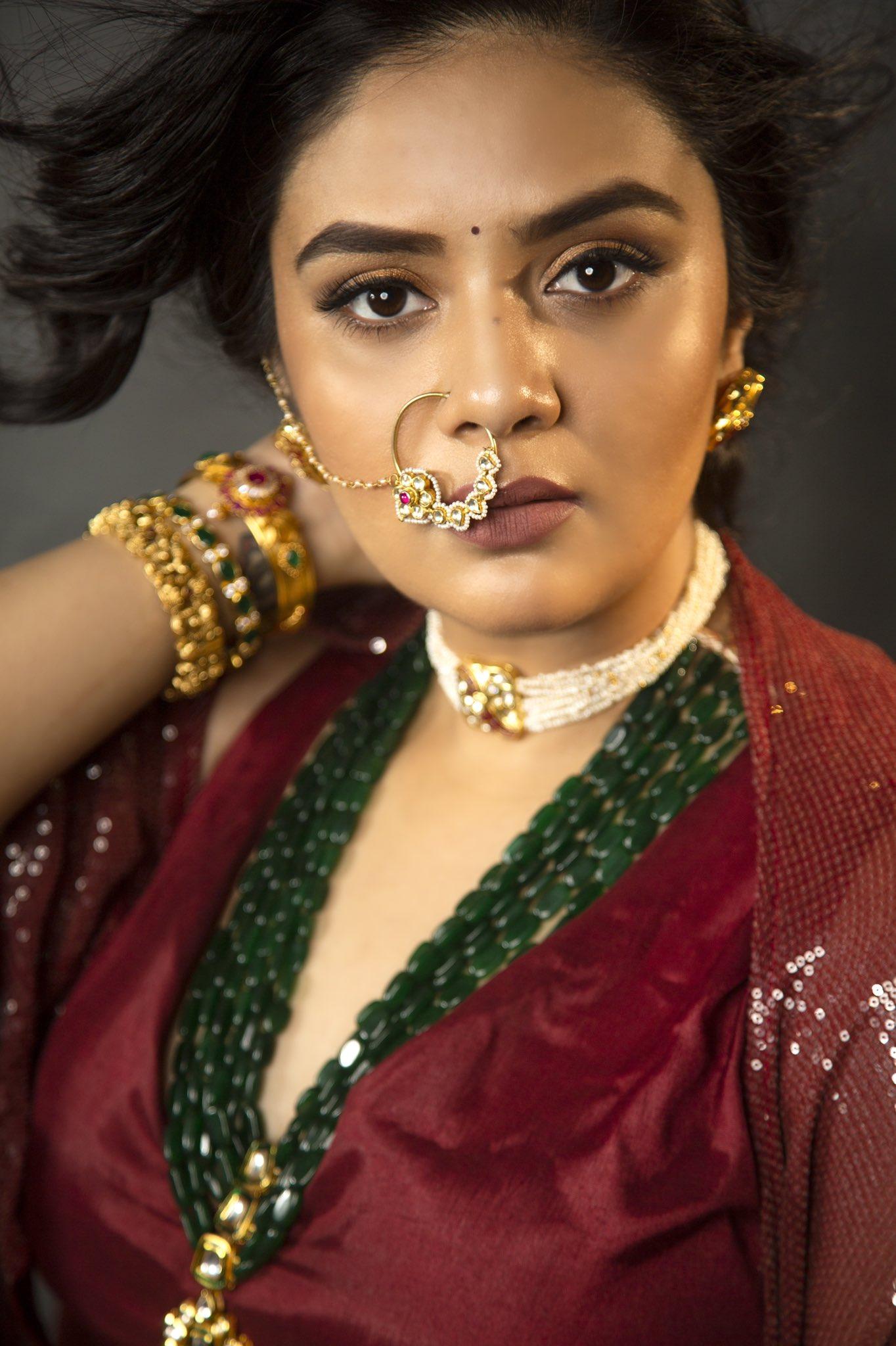 SreeMukhi-image-001-002505641538