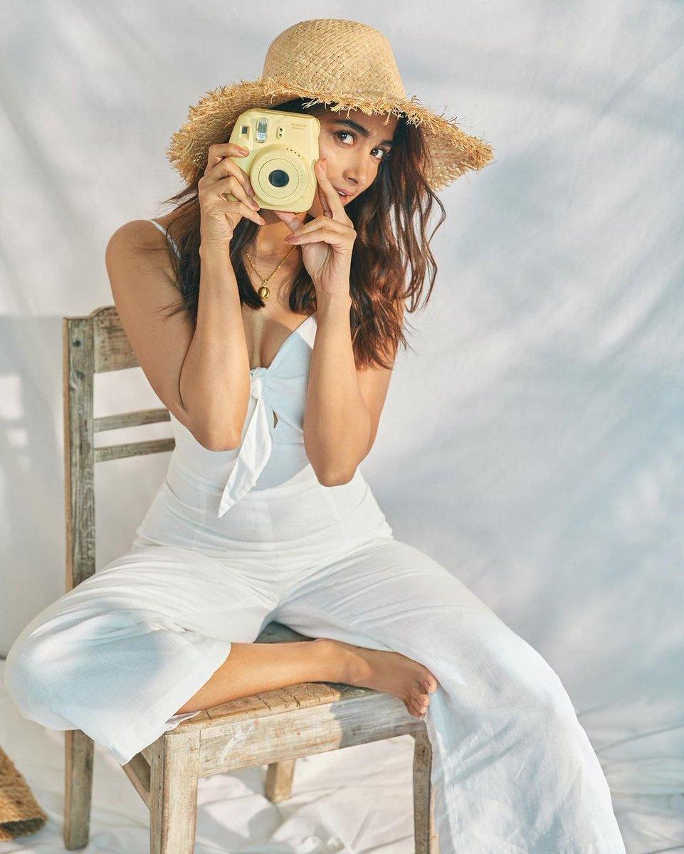 actress_pooja_hegde_new_stills_963258743