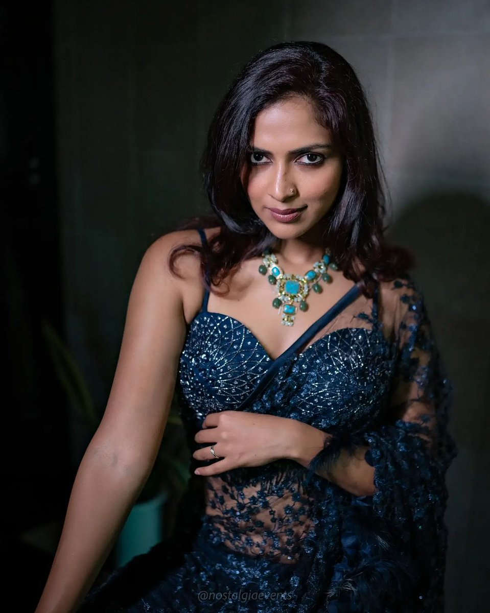 actress-amala-paul-stills-7894563256987